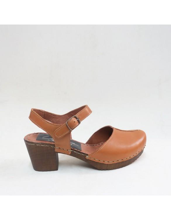 Sandalia de tacón y punta cerrada