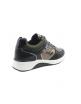 Sneaker metalizada plana